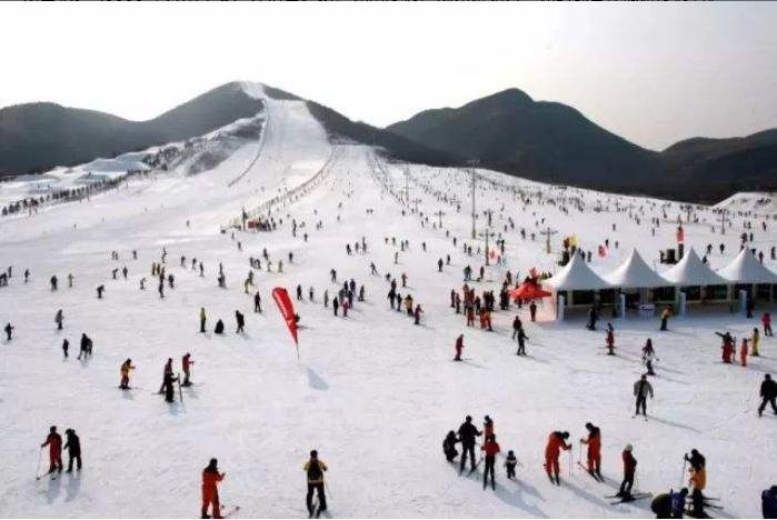 武汉周边旅游 千里大别山,滑雪红花尖 罗田红花尖滑雪场一日游