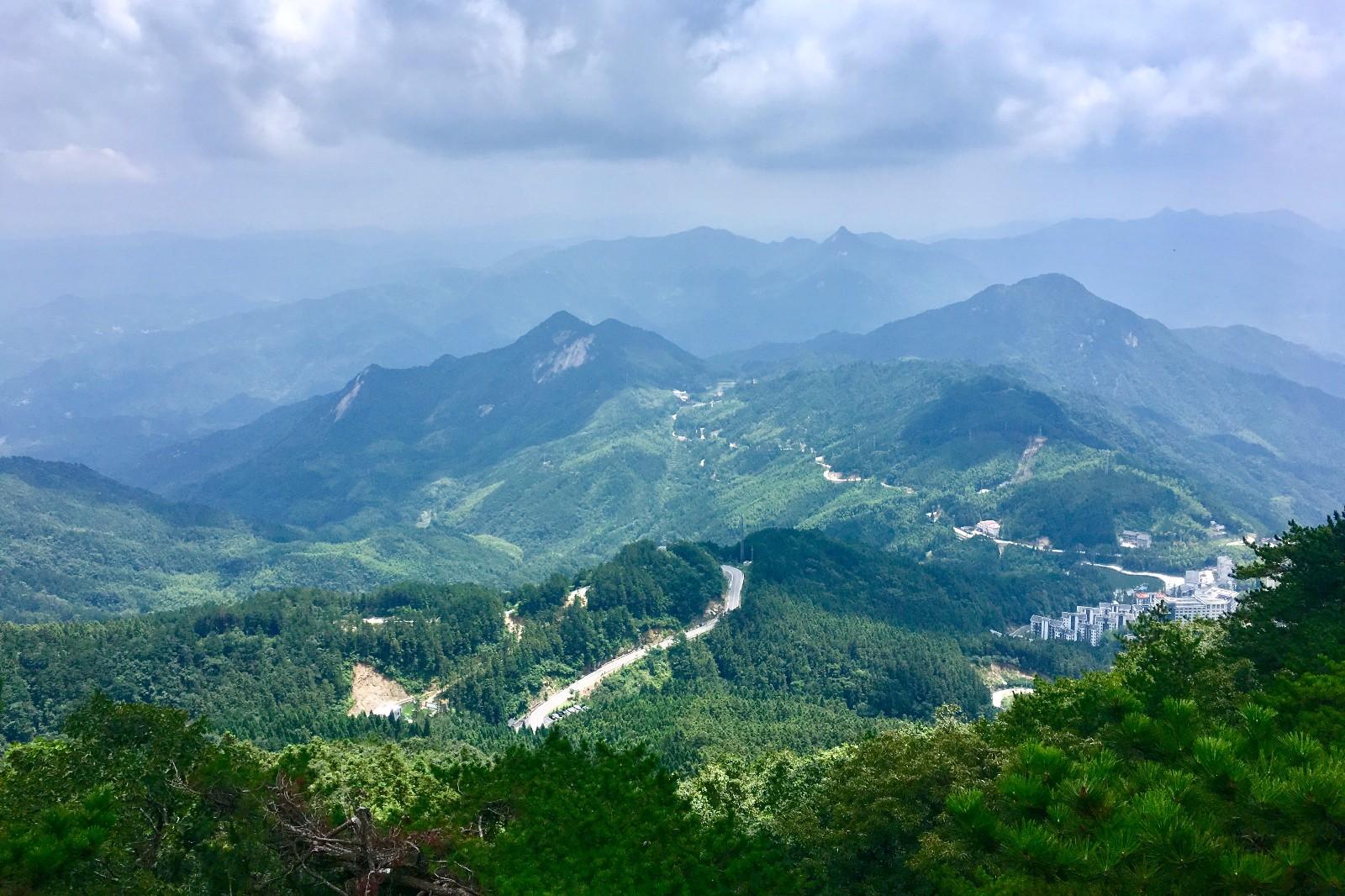 武汉周边游 薄刀峰森林公园.避暑小镇.罗田吊锅.水果采摘特惠2日游 82779128