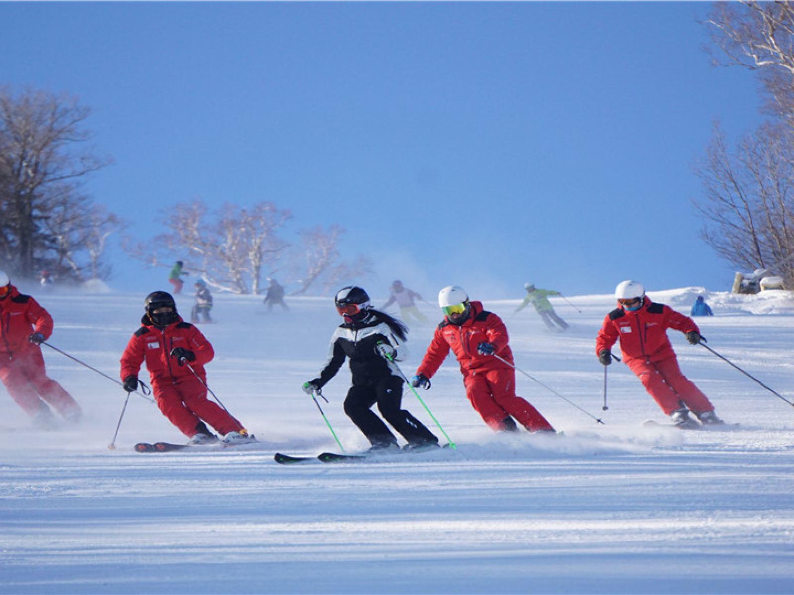 【自驾双人套餐】恩施绿葱坡滑雪